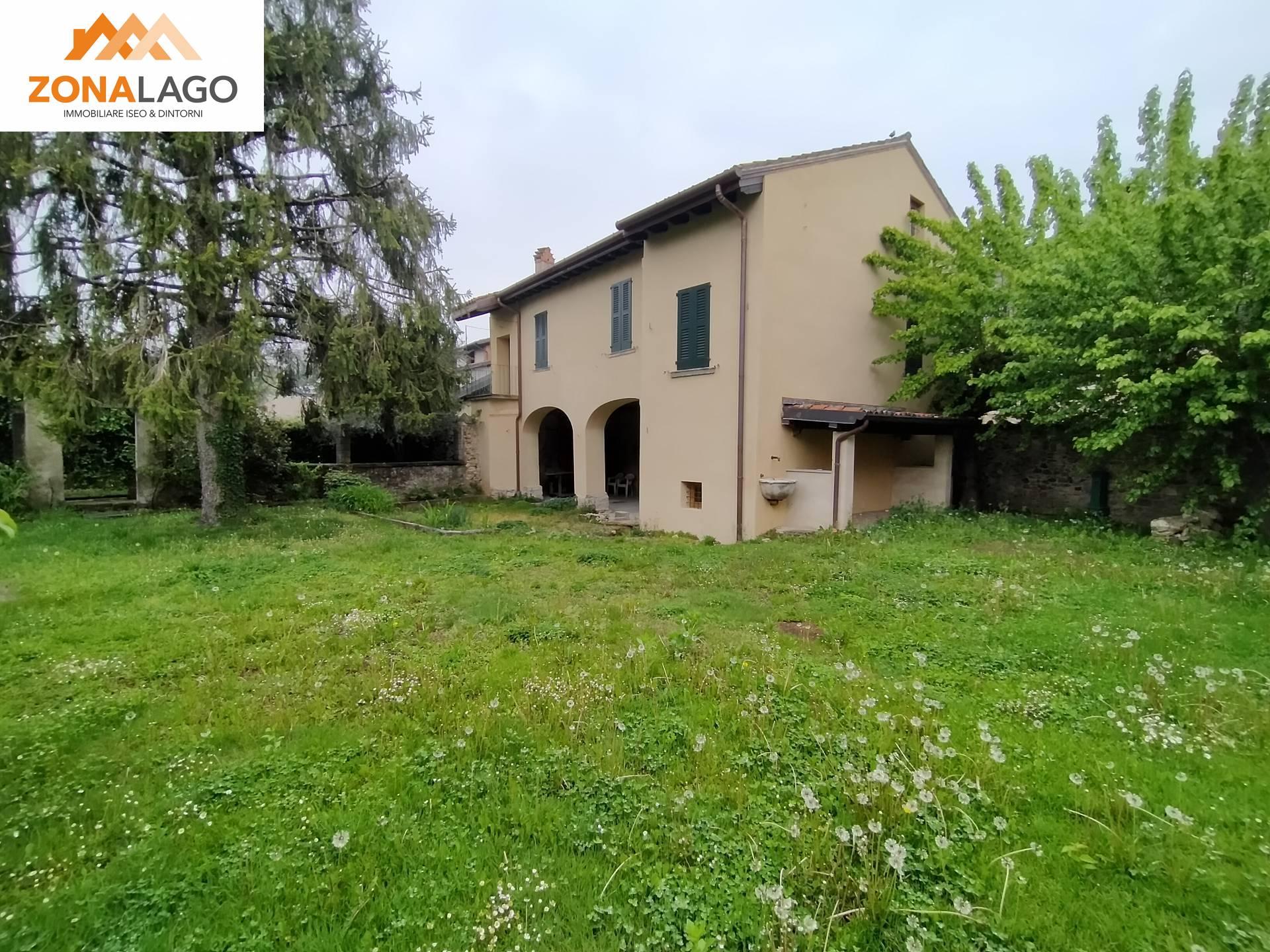 Rustico / Casale in vendita a Passirano, 6 locali, zona gnone, prezzo € 380.000 | PortaleAgenzieImmobiliari.it