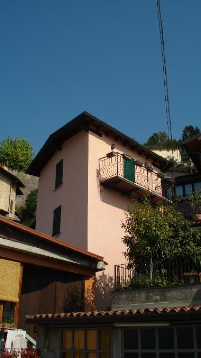 Porzione di casa in Vendita a Marone