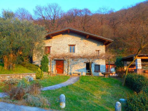 Villa in Vendita a Pisogne