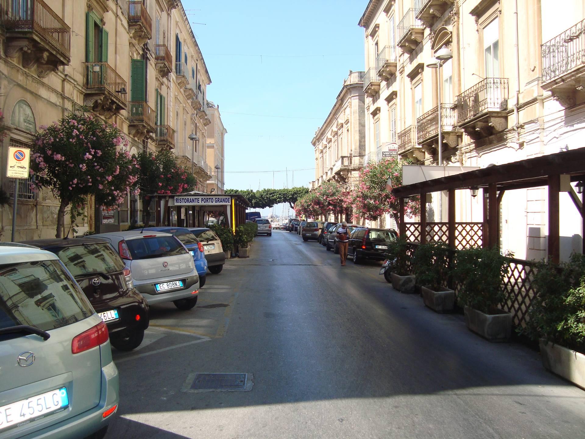 Negozio / Locale in vendita a Siracusa, 9999 locali, zona Zona: Ortigia, prezzo € 98.000 | Cambio Casa.it