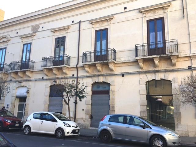 Appartamento in vendita a Siracusa, 4 locali, zona Località: Umbertina, prezzo € 135.000   Cambio Casa.it