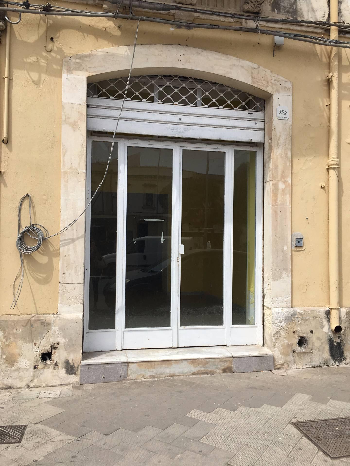 Negozio / Locale in affitto a Siracusa, 9999 locali, zona Zona: Borgata, prezzo € 700 | Cambio Casa.it