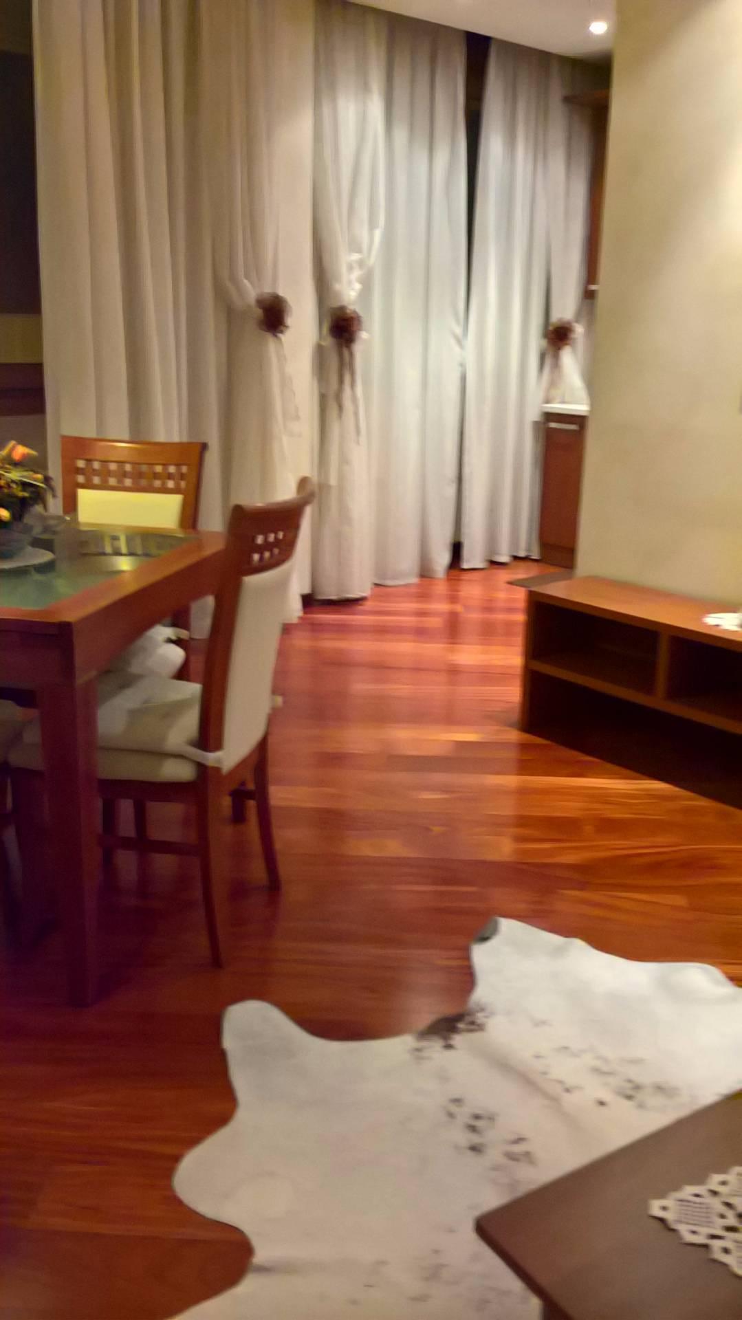 Appartamento in vendita a Verona, 4 locali, zona Località: Centrostorico, prezzo € 319.000 | Cambio Casa.it