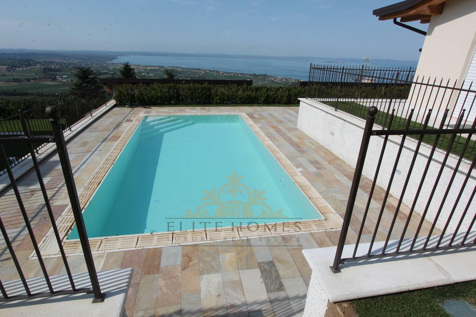 Villa cavaion veronese vendita 660 mq riscaldamento for Software di piano di pavimento del garage