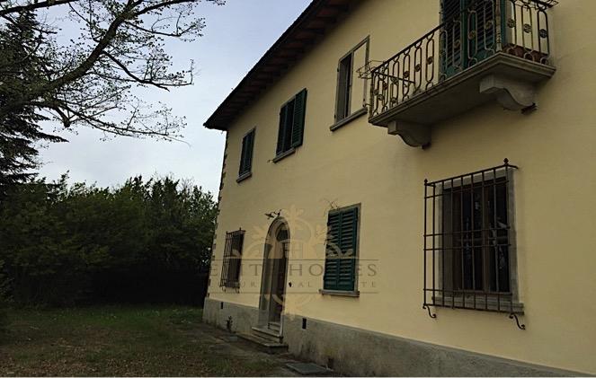 Villa in Vendita a Rufina