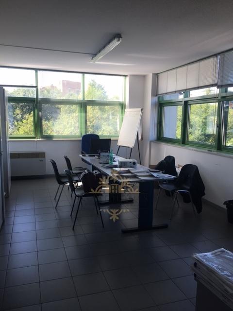 Ufficio / Studio in affitto a Verona, 9999 locali, zona Località: BorgoMilano, prezzo € 650 | Cambio Casa.it