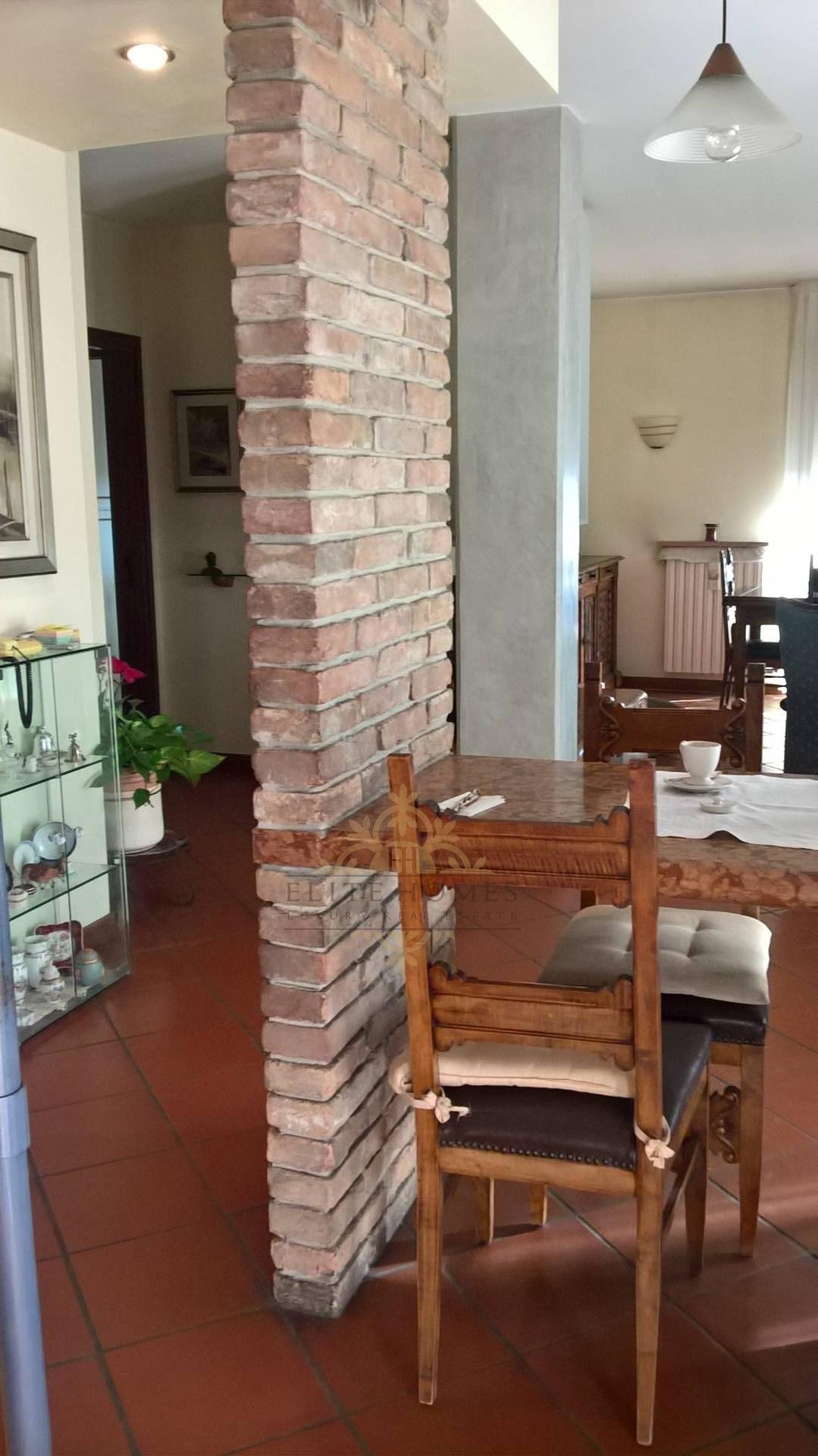 Appartamento in vendita a Verona, 6 locali, zona Località: SanMassimo, prezzo € 350.000 | Cambio Casa.it