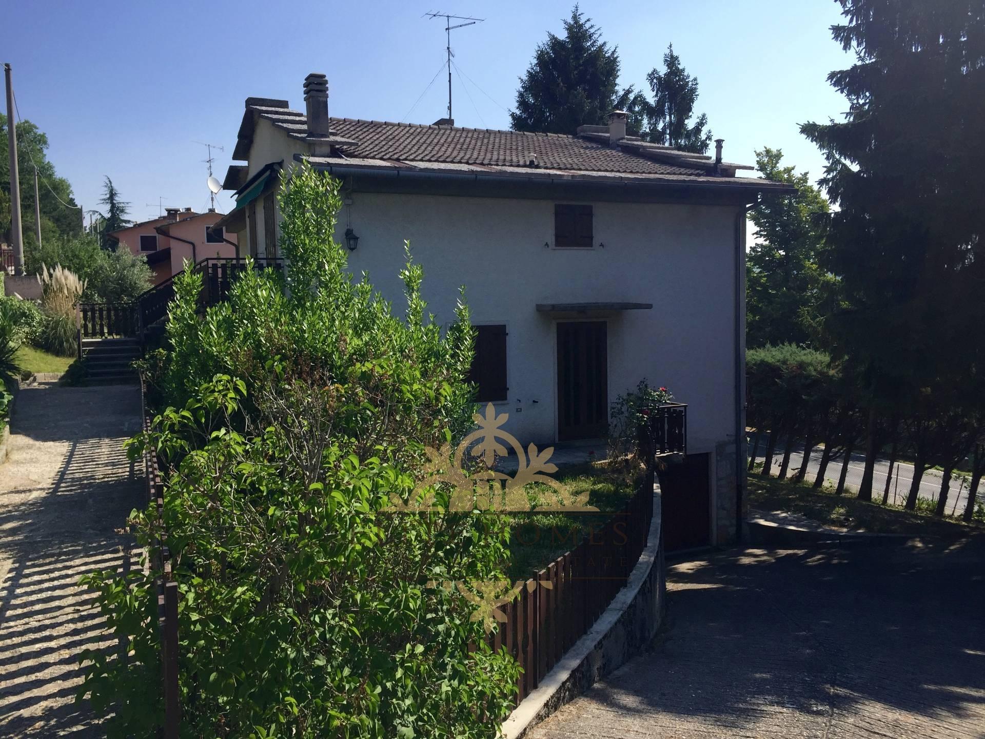 Appartamento in vendita a Cerro Veronese, 4 locali, prezzo € 95.000 | CambioCasa.it