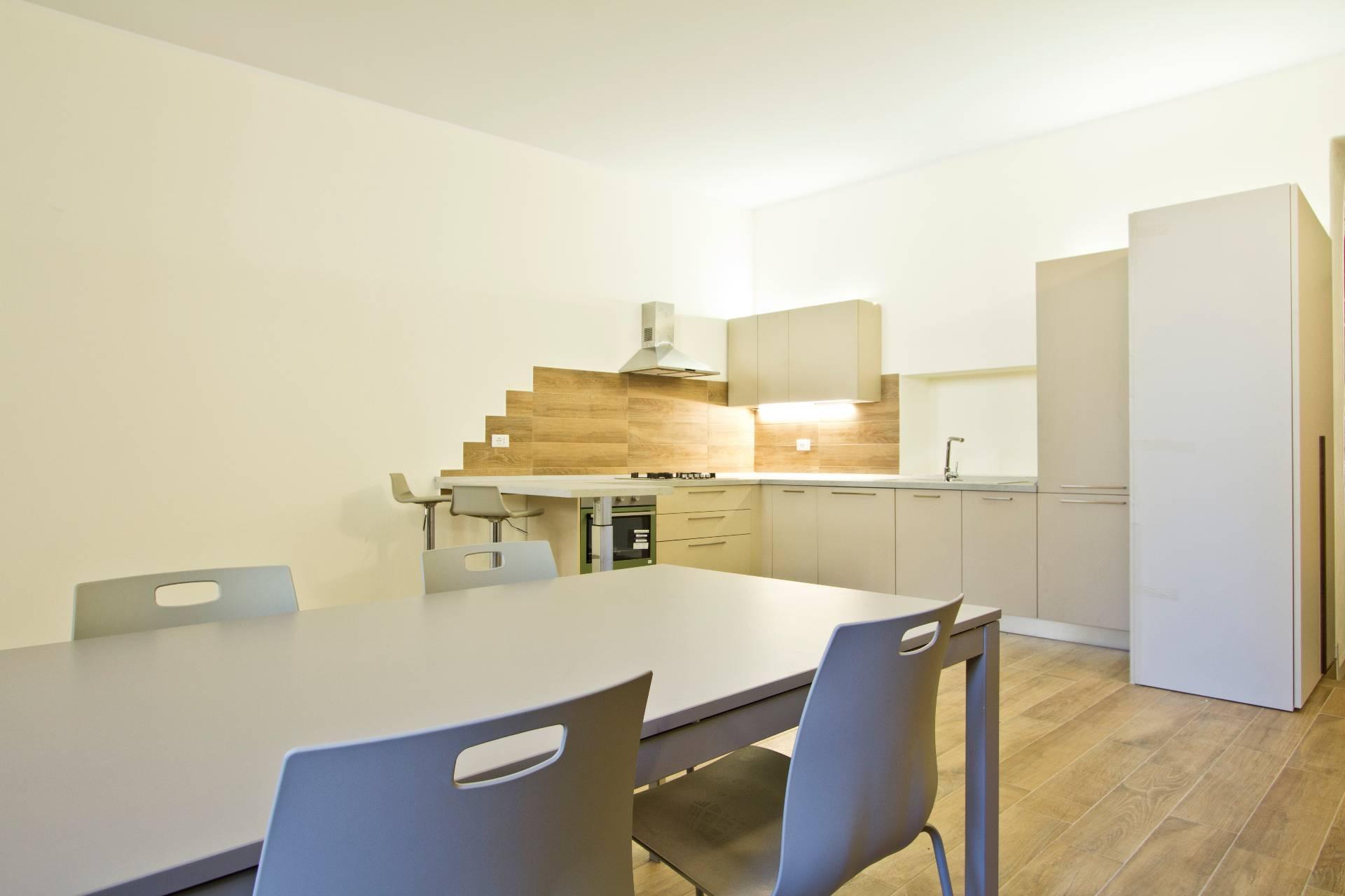 Appartamento in affitto a Verona, 3 locali, zona Località: Centrostorico, prezzo € 1.300 | CambioCasa.it