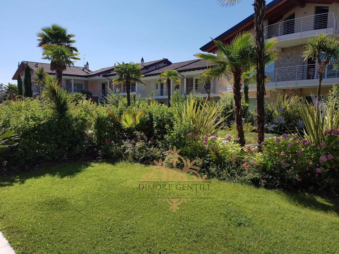 Appartamento in vendita a Sirmione, 5 locali, Trattative riservate | PortaleAgenzieImmobiliari.it