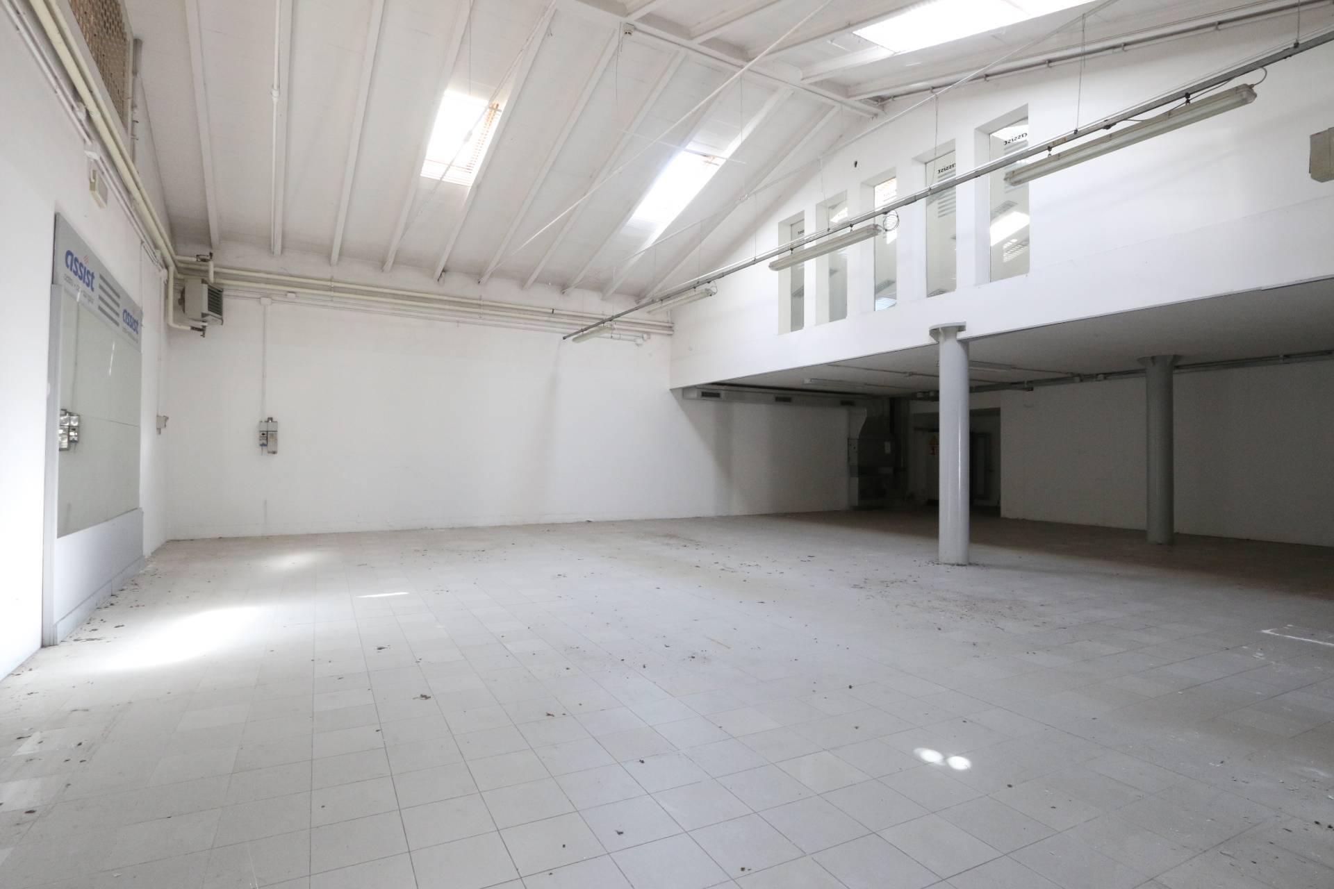 Negozio / Locale in vendita a Legnago, 9999 locali, prezzo € 260.000 | PortaleAgenzieImmobiliari.it