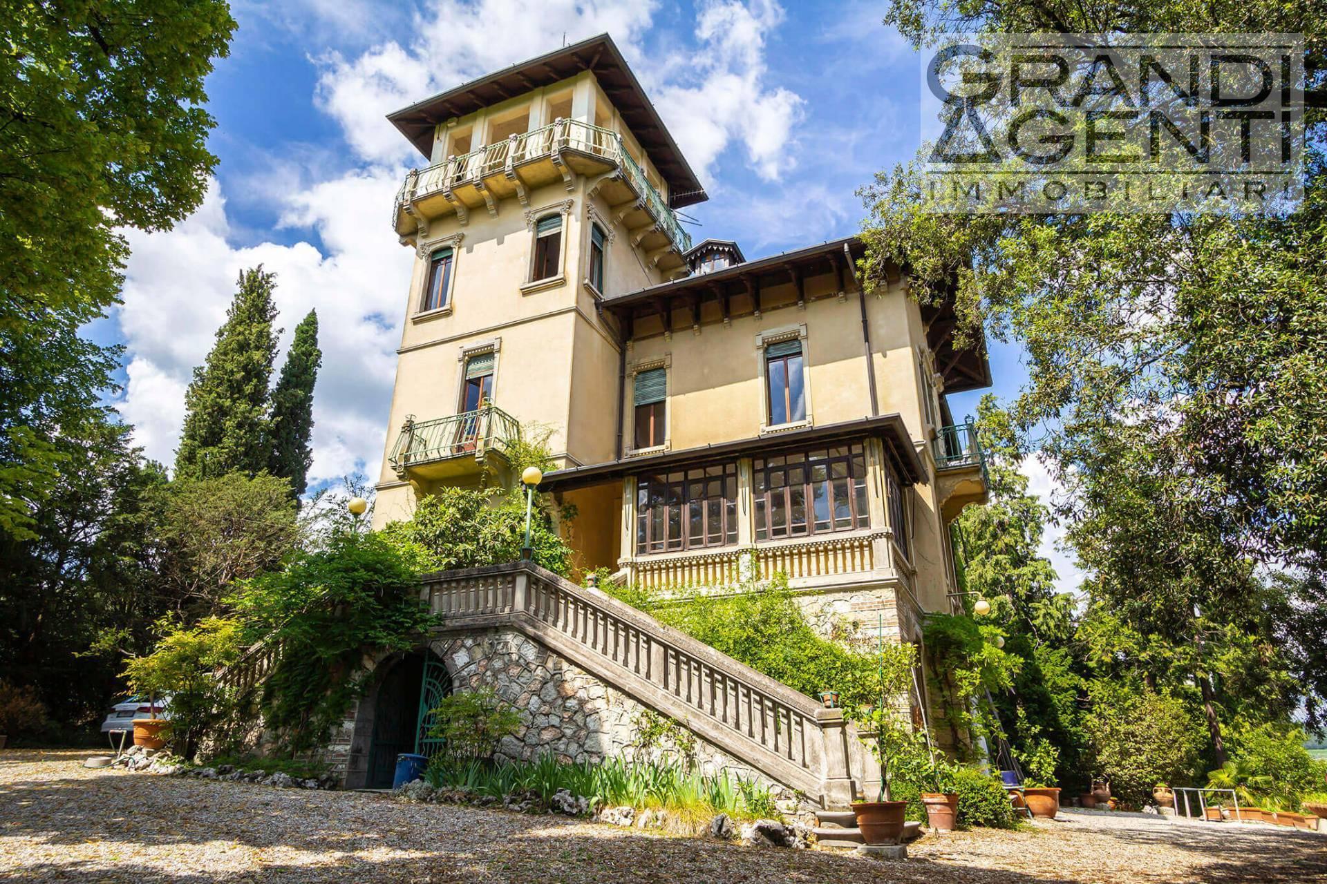 Villa in vendita a San Pietro in Cariano, 15 locali, Trattative riservate | PortaleAgenzieImmobiliari.it