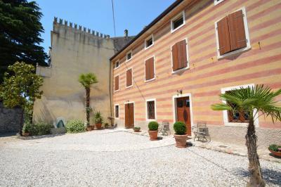 Casale in Vendita a Cavaion Veronese