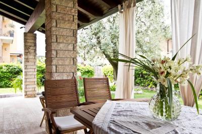 Villa bifamiliare in Vendita a Peschiera del Garda