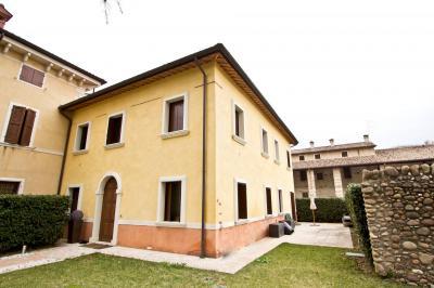 Villa in Vendita a Sant'Ambrogio di Valpolicella
