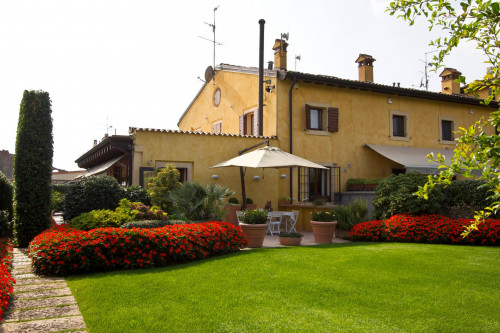 Casale in Vendita a Verona