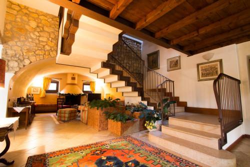 Casale in Vendita a Marano di Valpolicella