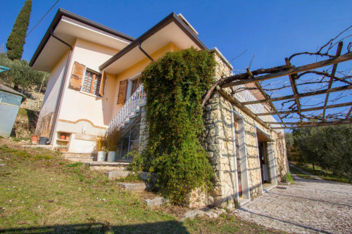Villa in Vendita a Negrar