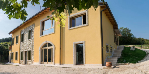 Homestead for Rent to Mezzane di Sotto