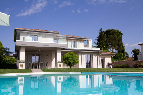 Villa for Sale to Lazise