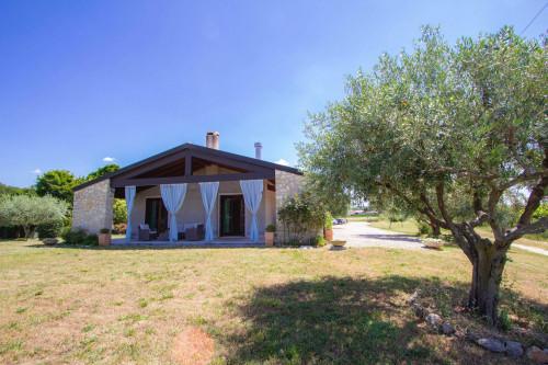 Villa in Vendita a Castelnuovo del Garda