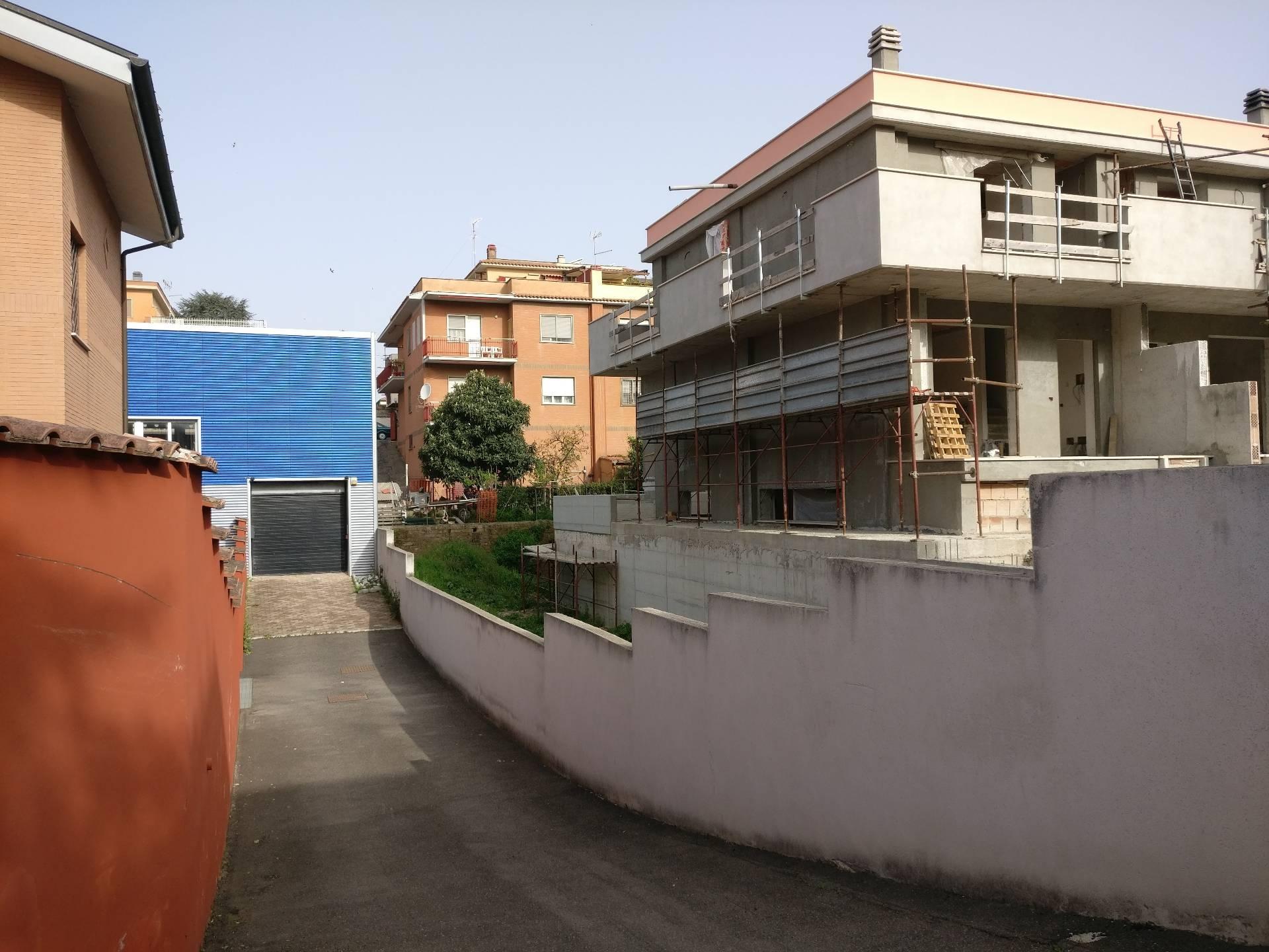 Laboratorio in vendita a Roma, 9999 locali, zona Località: Pisana, Trattative riservate | CambioCasa.it