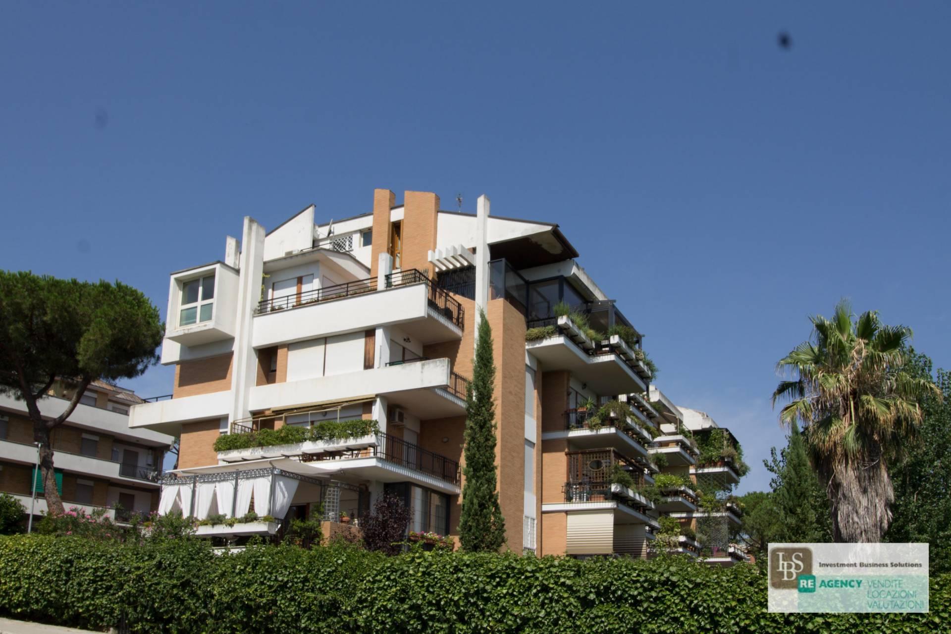 vendita appartamento roma tomba di nerone  490000 euro  6 locali  130 mq