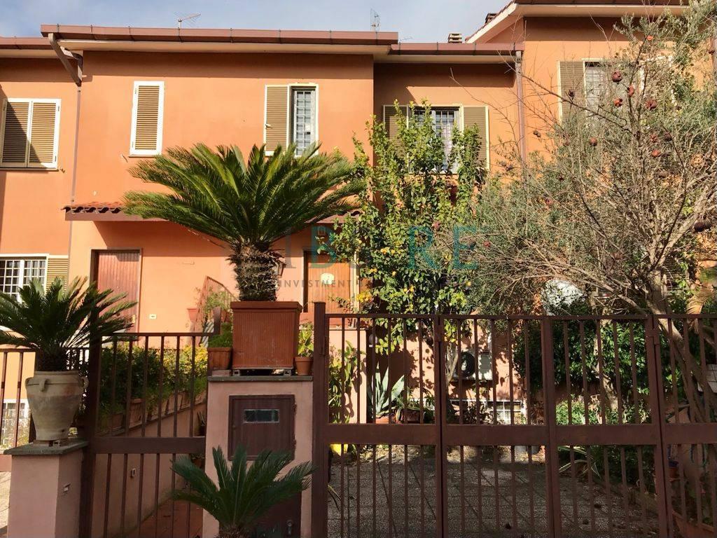 Villa a Schiera in vendita a Roma, 6 locali, zona Località: Cesano, prezzo € 175.000 | CambioCasa.it