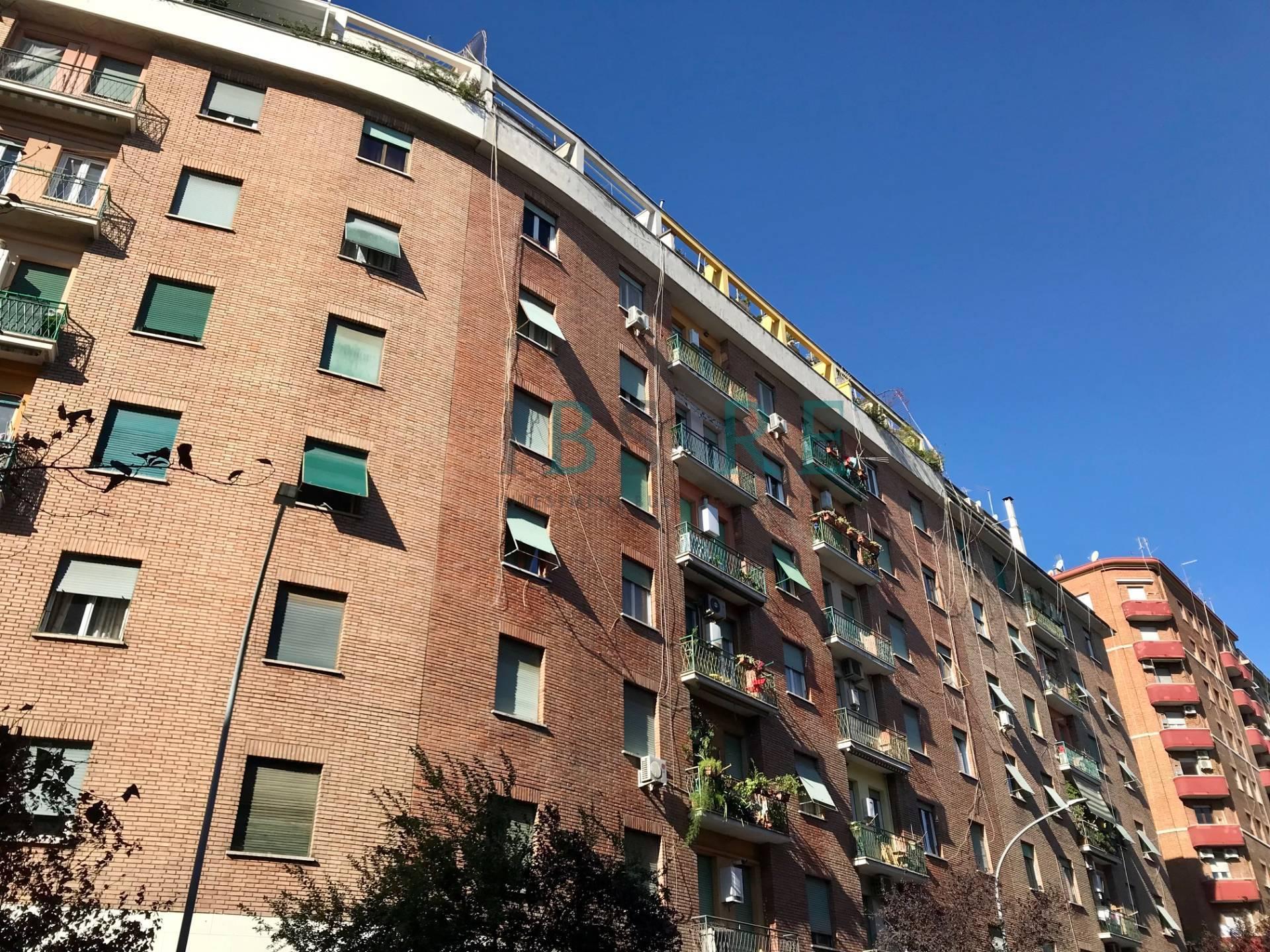 Appartamento in vendita a Roma, 4 locali, zona Località: AppiaNuova, prezzo € 310.000 | CambioCasa.it