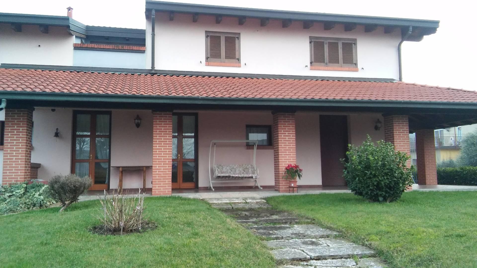 Villa in vendita a Zibido San Giacomo, 5 locali, prezzo € 610.000 | Cambio Casa.it