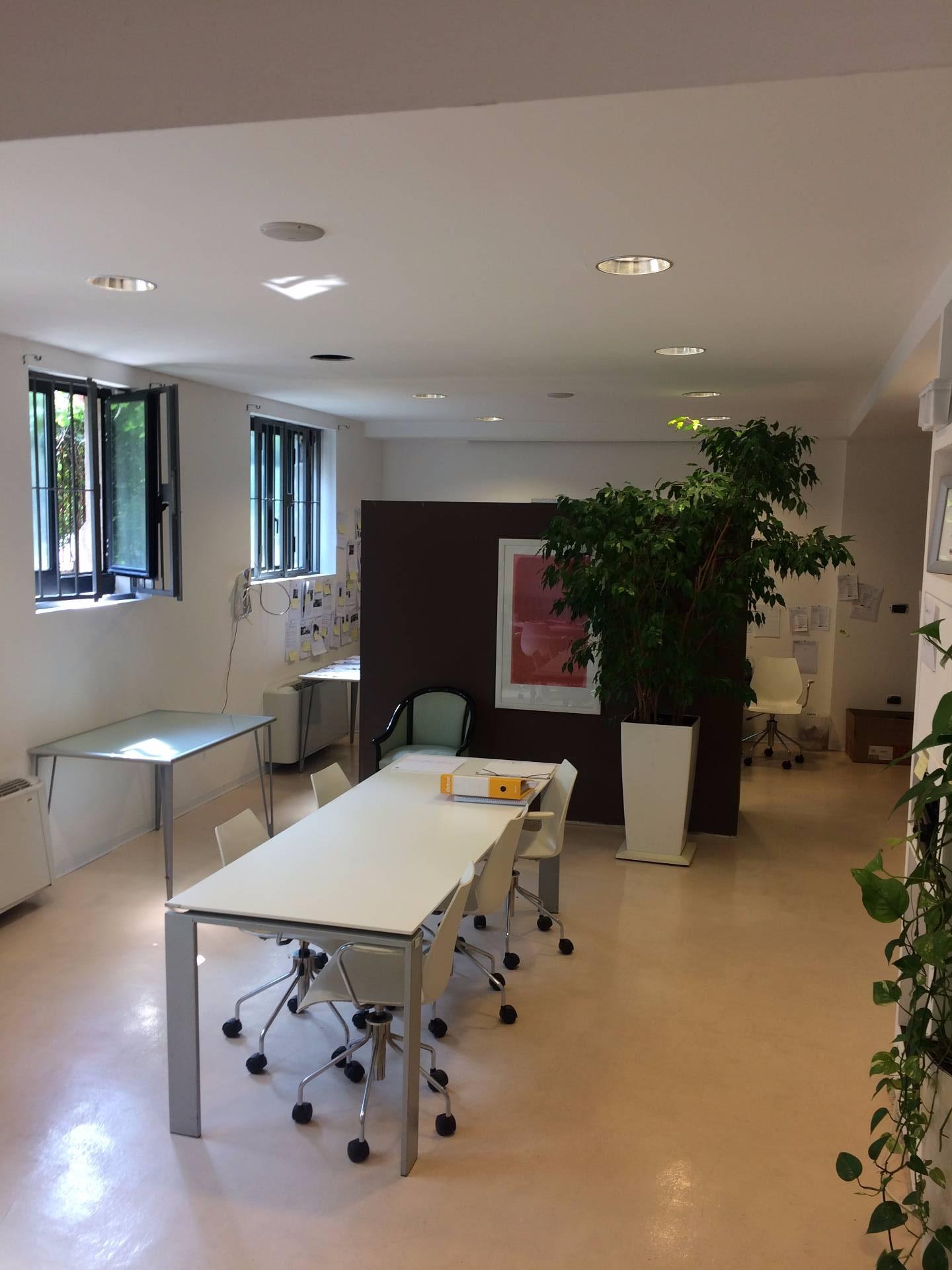 Rozzano | Laboratorio in Vendita in Via Tevere | lacasadimilano.it