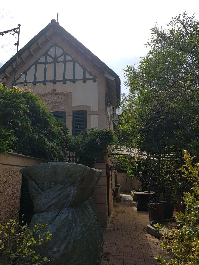 Appartamento con terrazzo affitto a palermo for Appartamento arredato palermo