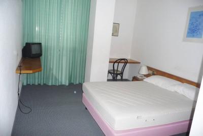 Hotel in Vendita a Serra de' Conti