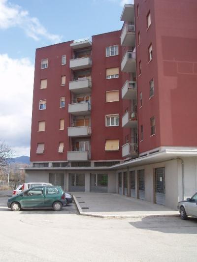 Locale commerciale in Affitto/Vendita a Fabriano