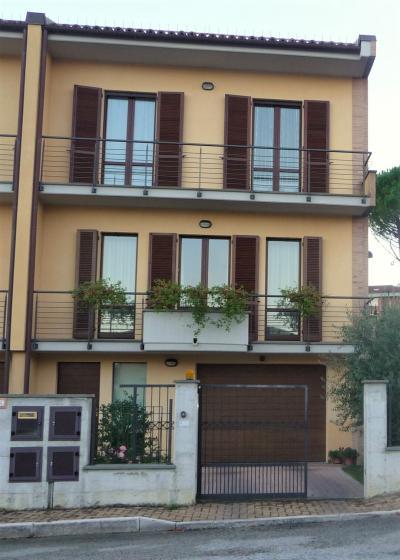 Villetta a schiera in Vendita a Fabriano