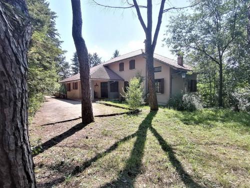 Villa in Affitto a Fabriano