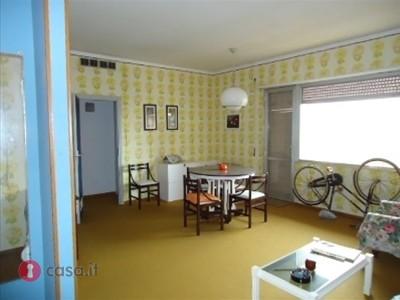 Appartamento in vendita a Porto Recanati, 3 locali, zona Località: QuartiereSud-S.aMariainPotenza, prezzo € 62.000 | Cambio Casa.it