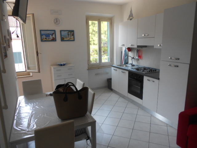 Appartamento in vendita a Porto Recanati, 4 locali, zona Località: QuartiereCentro-Castelnuovo-SanMarino, prezzo € 190.000 | Cambio Casa.it