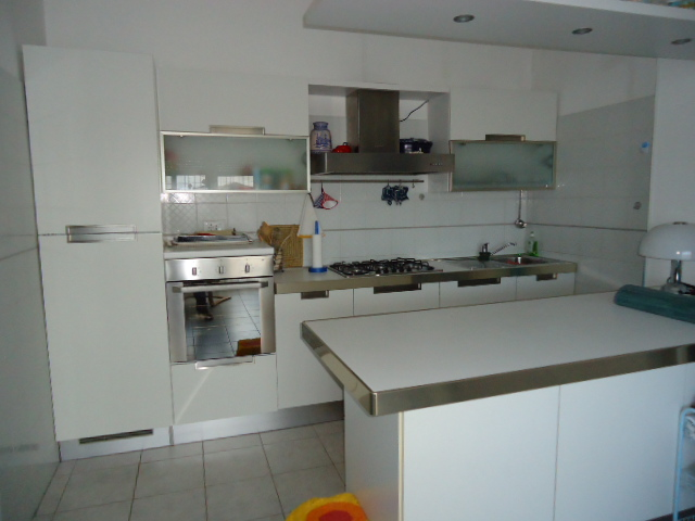 Appartamento in vendita a Porto Recanati, 3 locali, zona Località: QuartiereSud-S.aMariainPotenza, prezzo € 85.000   Cambio Casa.it