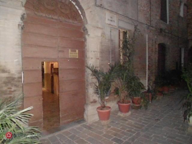 Appartamento in vendita a Recanati, 8 locali, prezzo € 249.000 | Cambio Casa.it