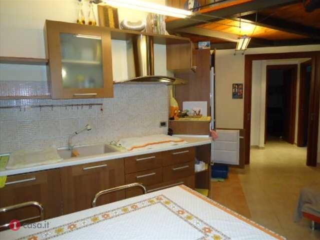 Appartamento in vendita a Potenza Picena, 4 locali, zona Località: PortoPotenzaPicena, prezzo € 130.000 | CambioCasa.it