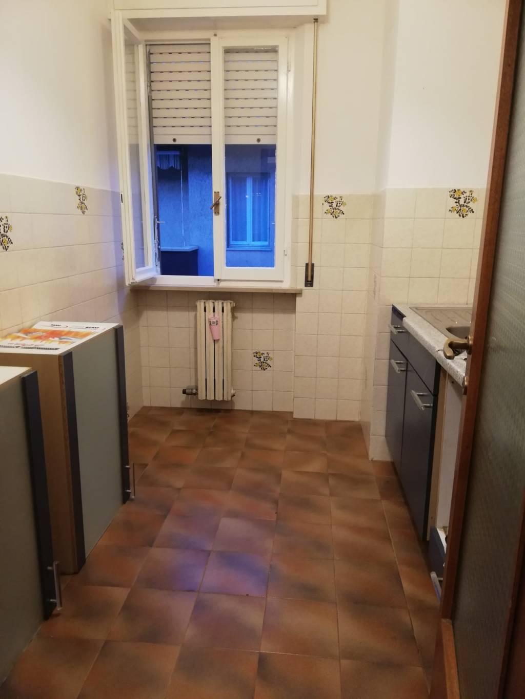 Appartamento in vendita a Montemarciano, 6 locali, zona Località: MarinadiMontemarciano, prezzo € 75.000 | CambioCasa.it