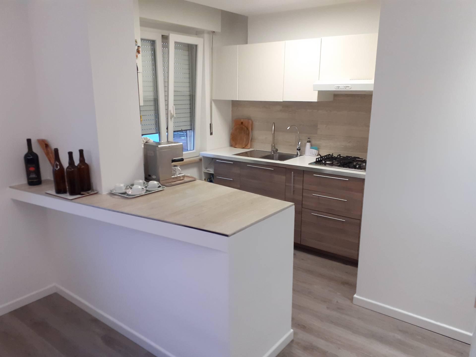 Appartamento in vendita a Porto Recanati, 6 locali, zona Località: Centrostorico, prezzo € 229.000 | CambioCasa.it