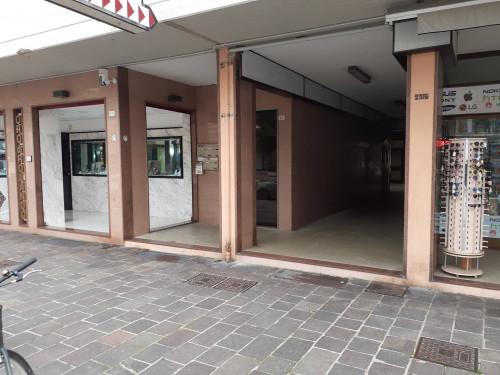 Locale commerciale in Affitto a Porto Recanati