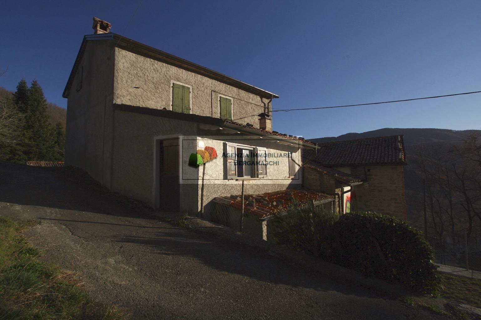 Foto 1 di Casa indipendente Vigolone, Calestano