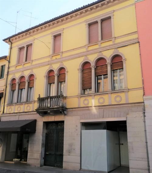 Palazzo in Vendita a Pordenone