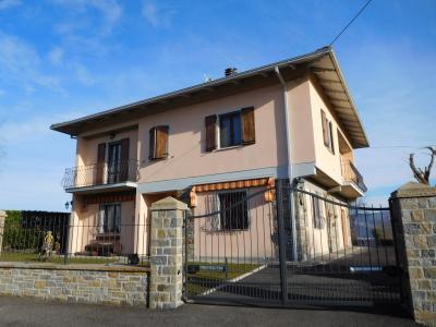 Casa singola in Vendita a Montefiorino