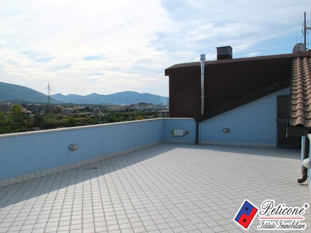 Appartamento in vendita a Fondi, 5 locali, zona Località: Carrera, prezzo € 120.000 | PortaleAgenzieImmobiliari.it