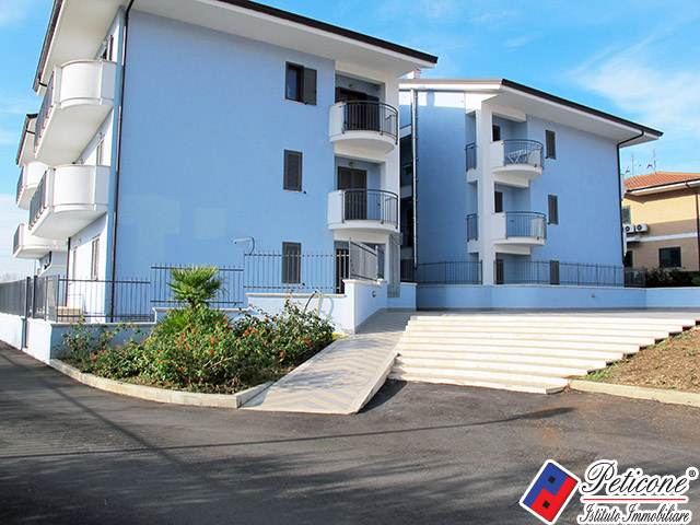 vendita appartamento fondi carrera  215000 euro  5 locali  92 mq