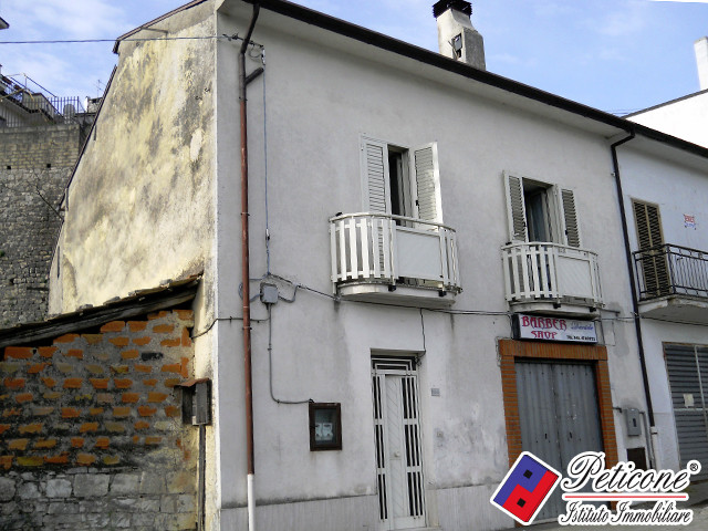 Appartamento in vendita a Lenola, 5 locali, zona Località: Centro, prezzo € 85.000 | PortaleAgenzieImmobiliari.it
